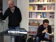 la colonna sonora della presentazione è stata affidata a Massimo Ruberti (a sx), le letture a Paolo Spaziosi.
